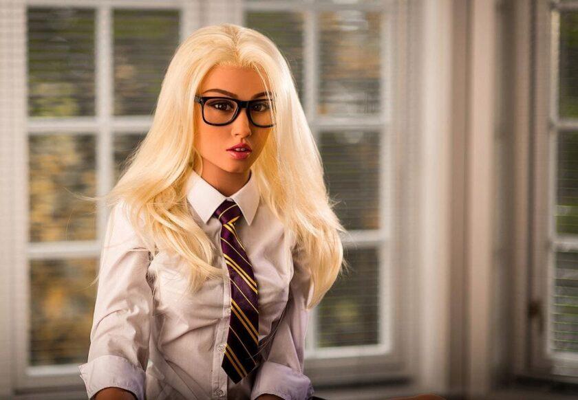 реалистичная секс-кукла школьница