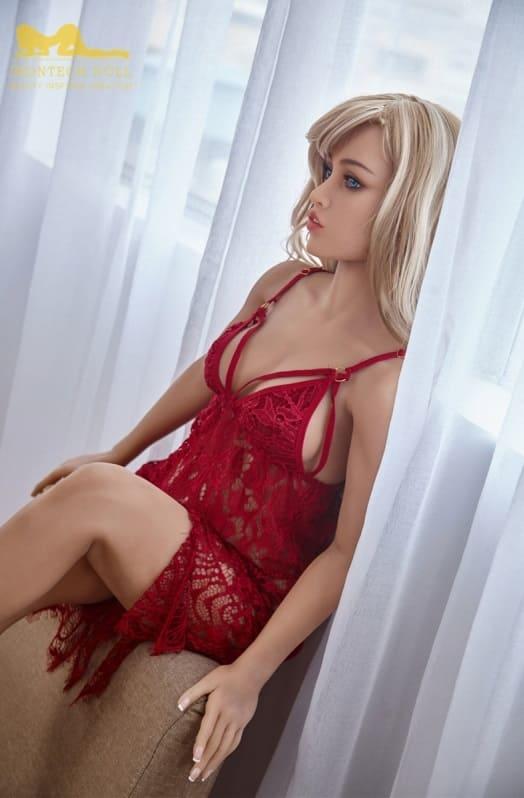 секс-кукла славянской внешности
