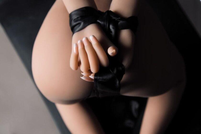 кукла секс-шопа маленькая