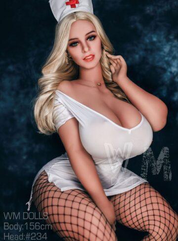 секс кукла с огромными сиськами и задницей