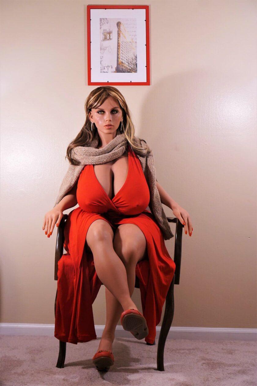 силиконовая кукла с большими сиськами