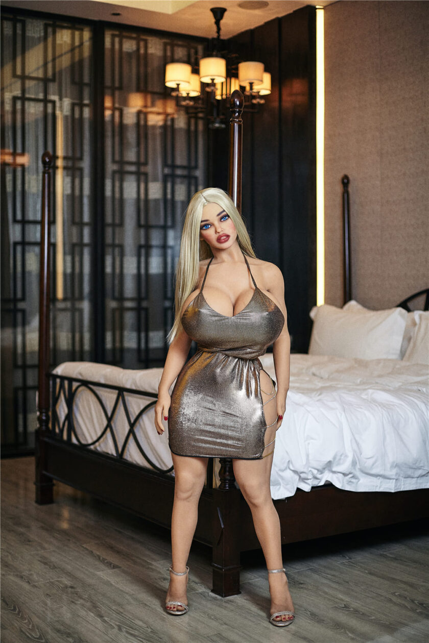 секс-кукла IRONTECH DOLL 140 см