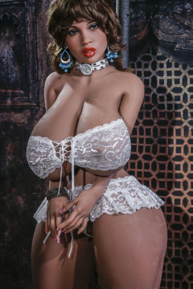 секс-куклу с большой грудью