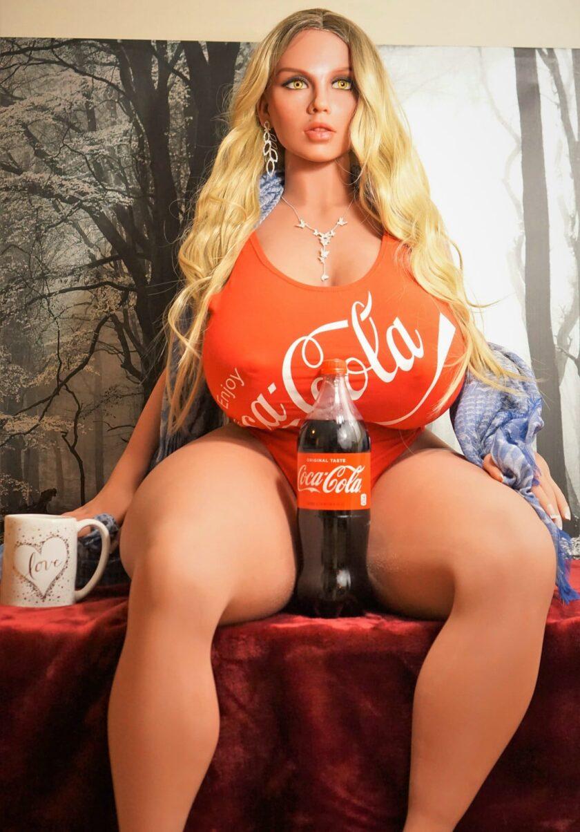 действительно большие сиськи секс куклы
