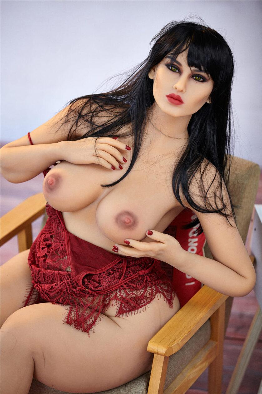 секс кукла пышногрудая брюнетка
