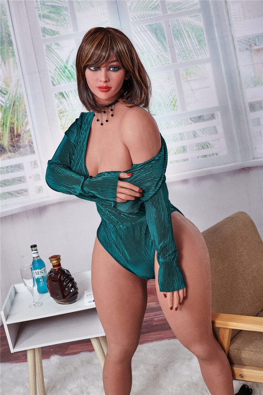 секс-кукла женщина взрослая милфа