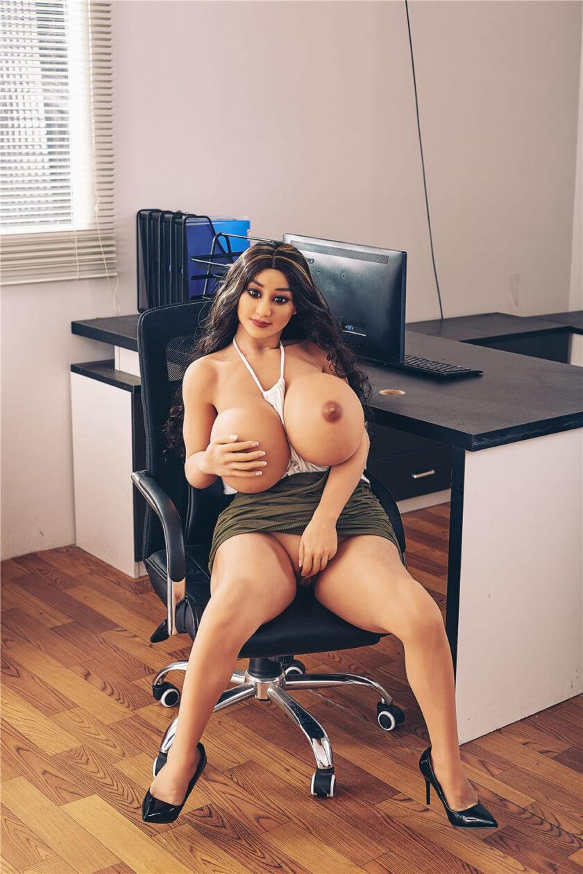 секс-кукла мулатка