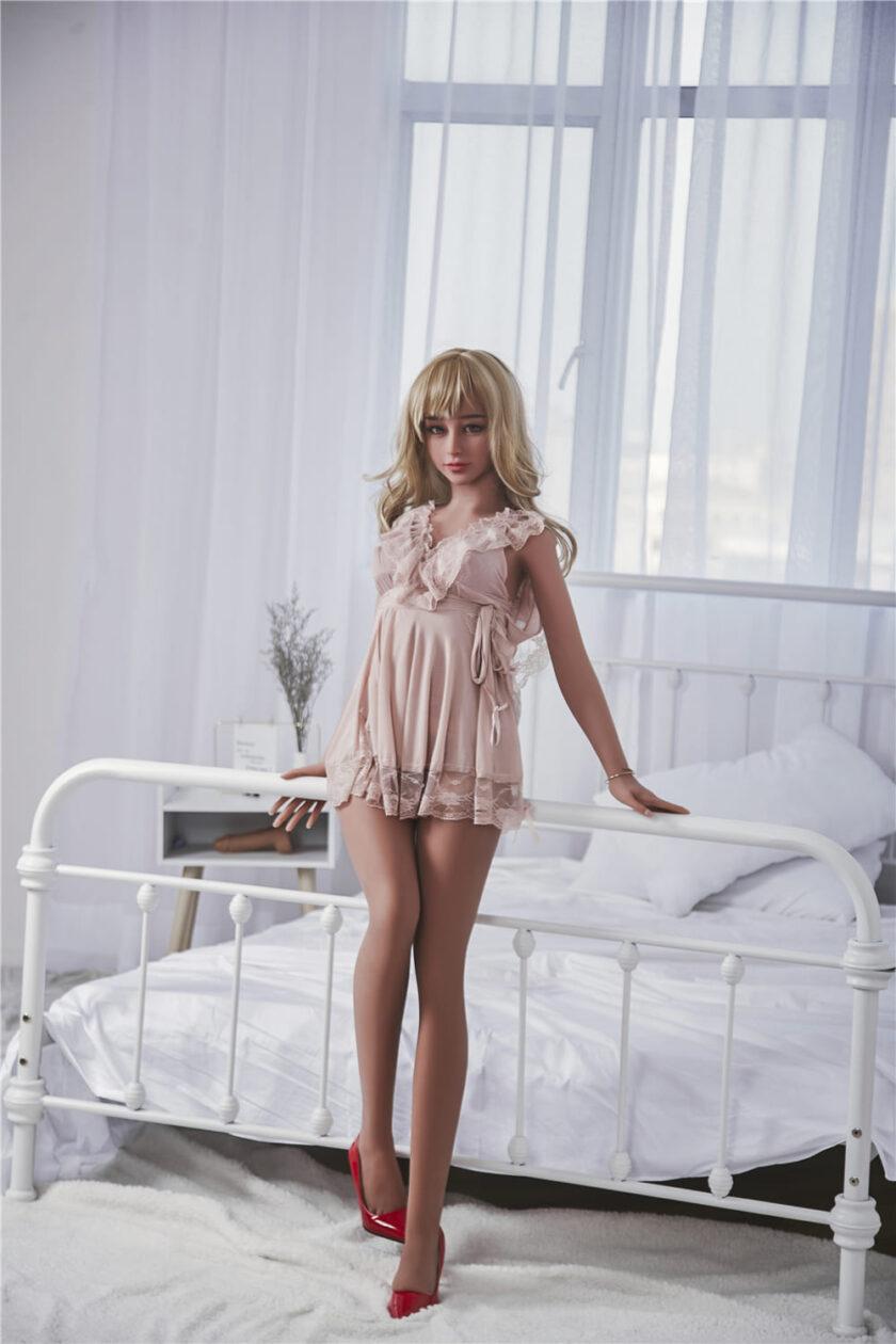 реалистичная секс кукла студентка