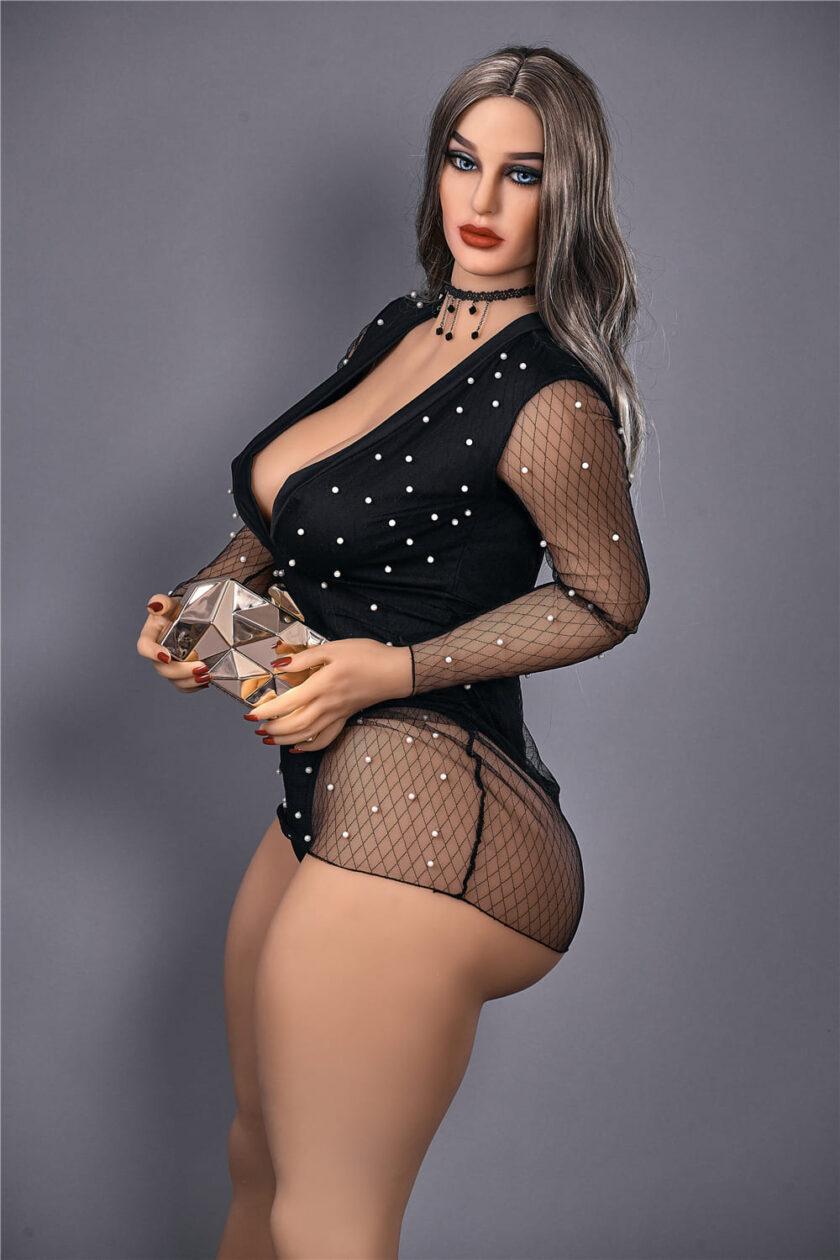 силиконовая кукла женщина постарше