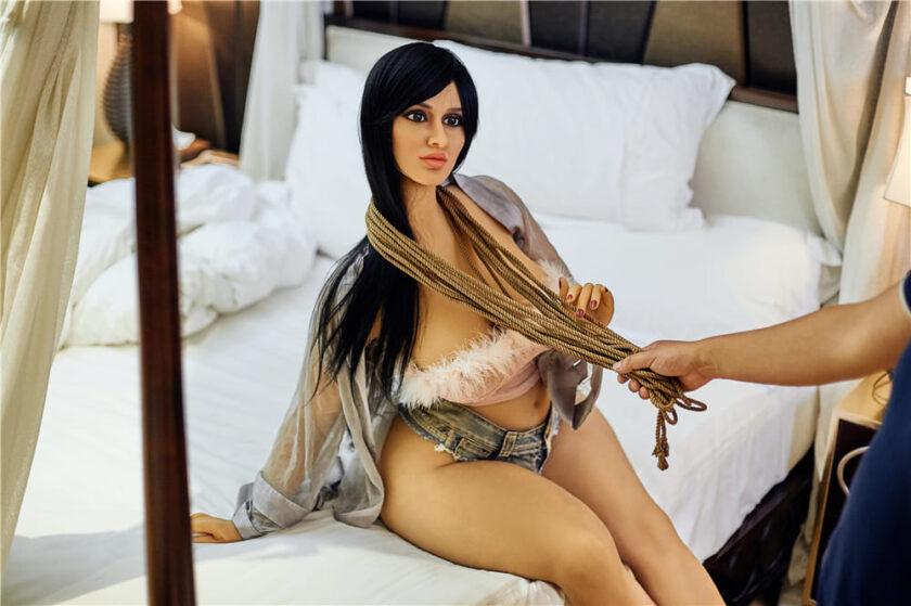 секс кукла для БДСМ игр