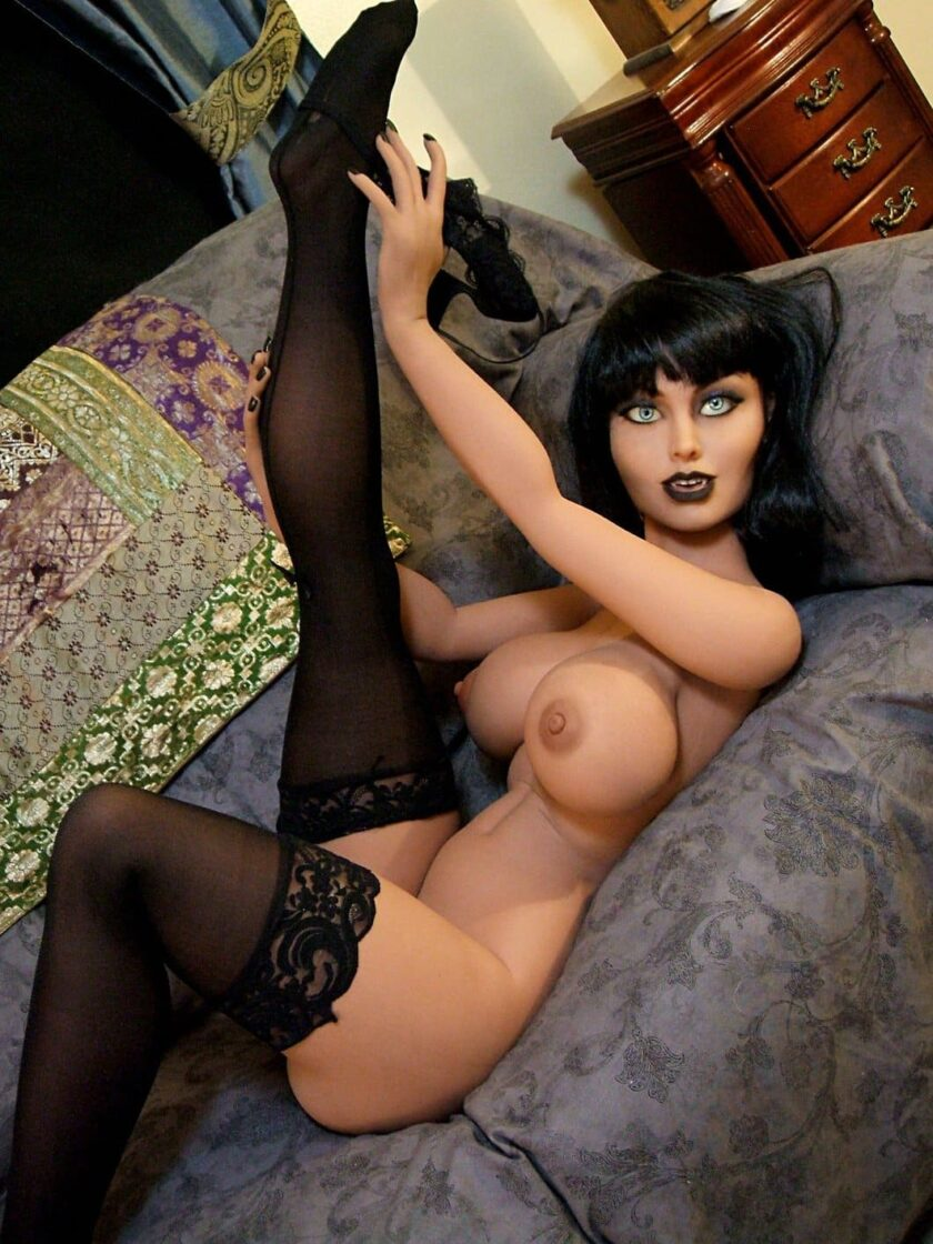 силиконовая секс кукла вампи