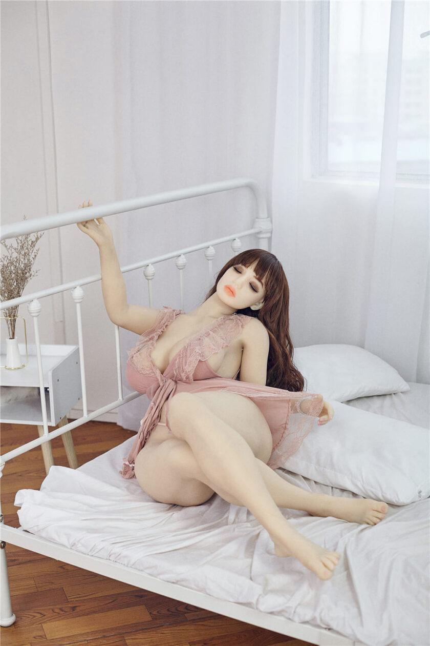 Реалистичная полноразмерная секс кукла