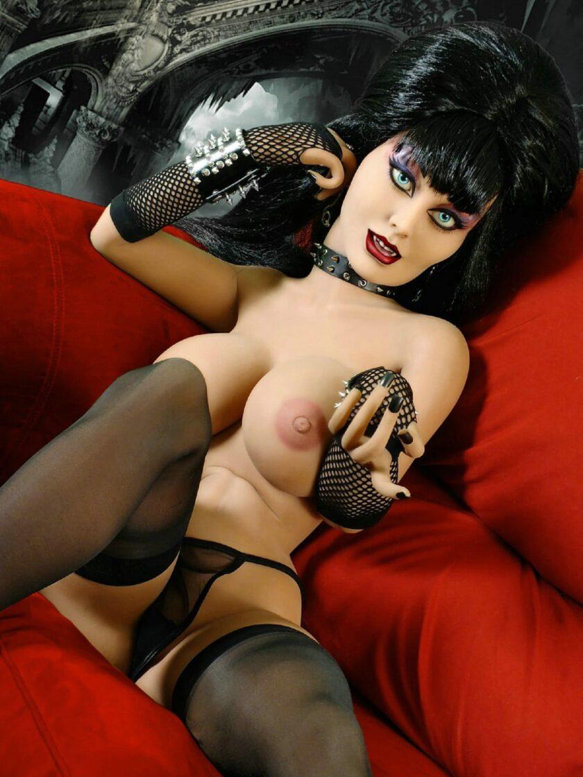 секс кукла с зубами вампира