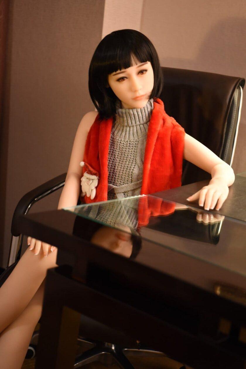 китайская секс кукла с маленькой грудью
