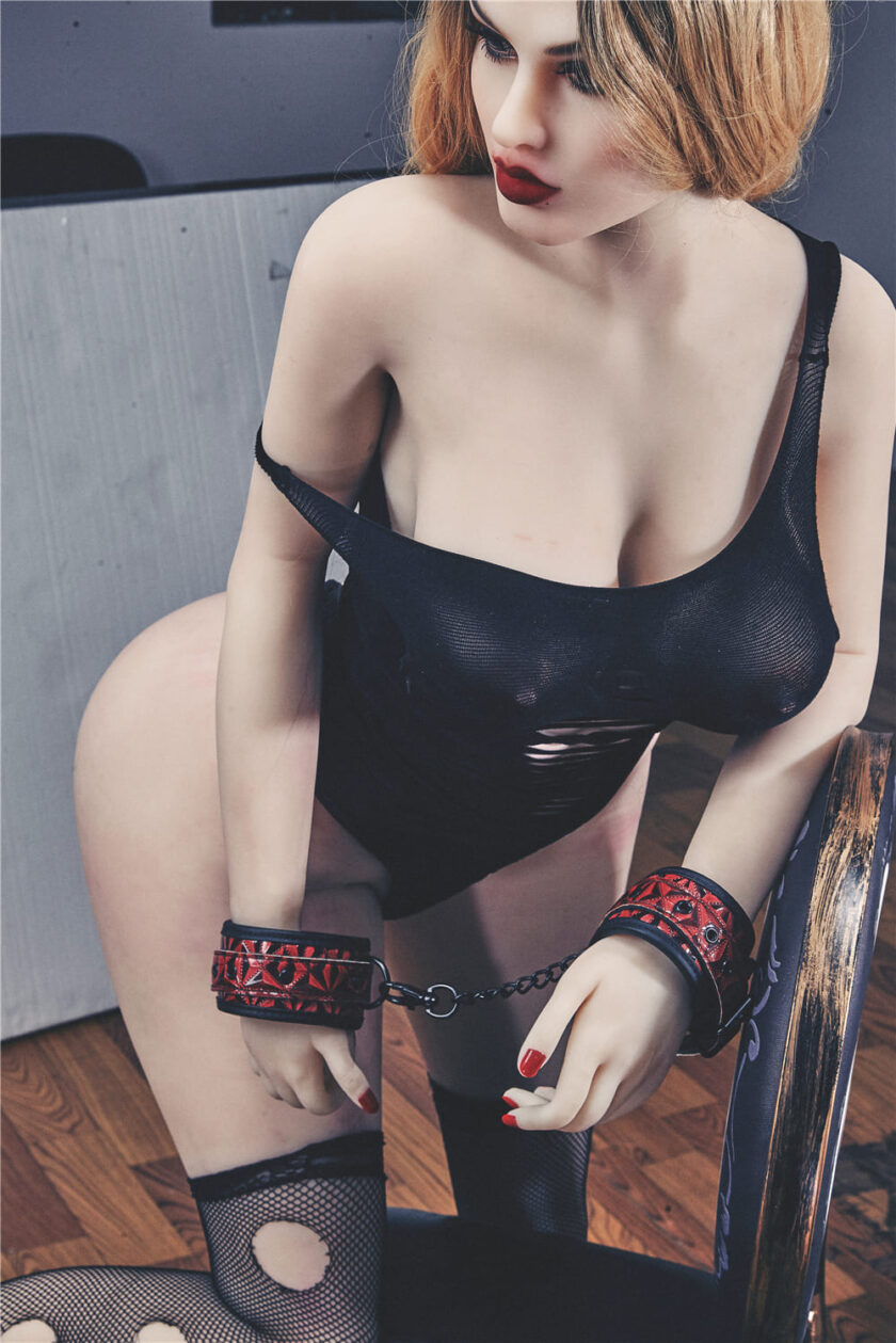Секс кукла пышные формы