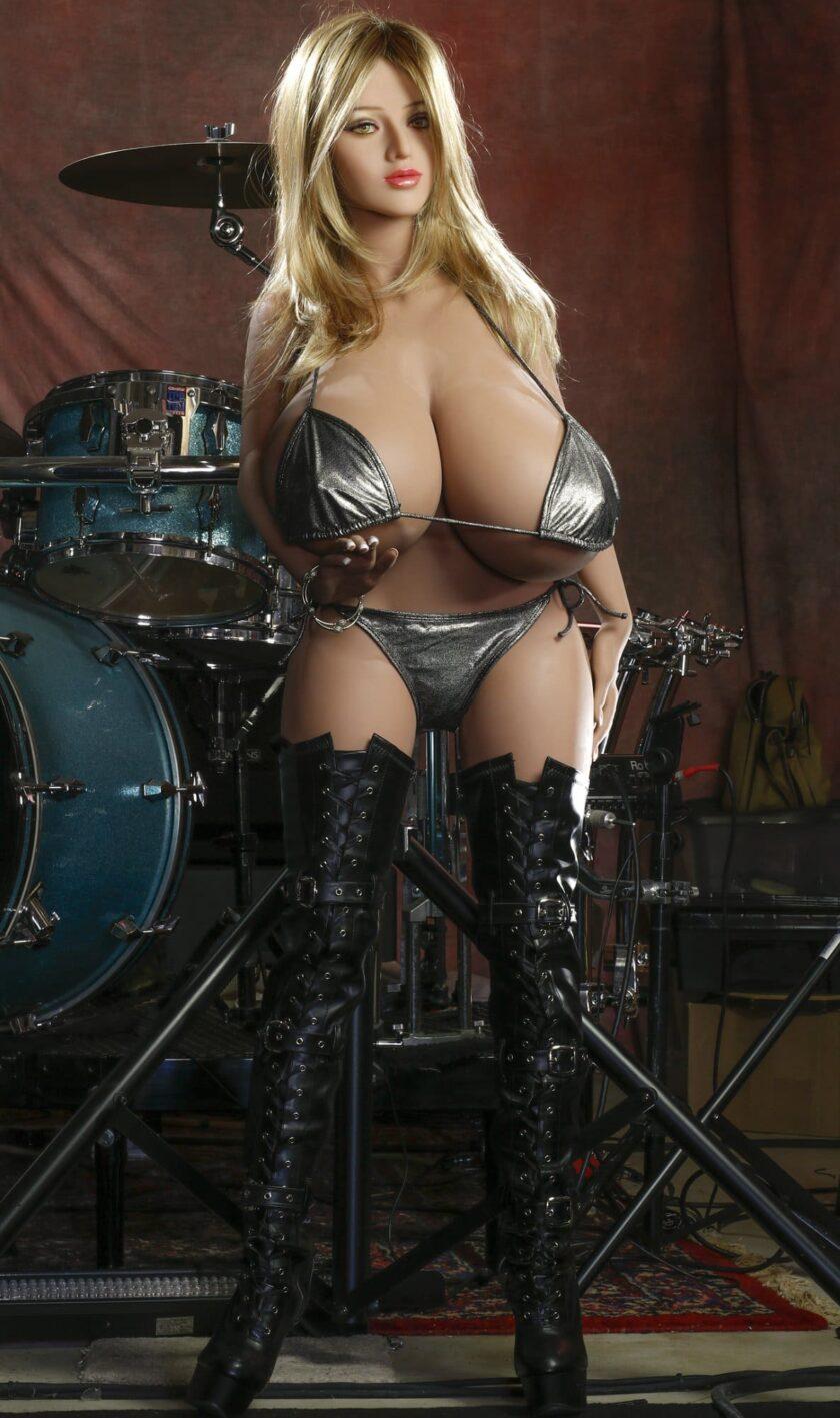 Секс кукла огромные сиськи