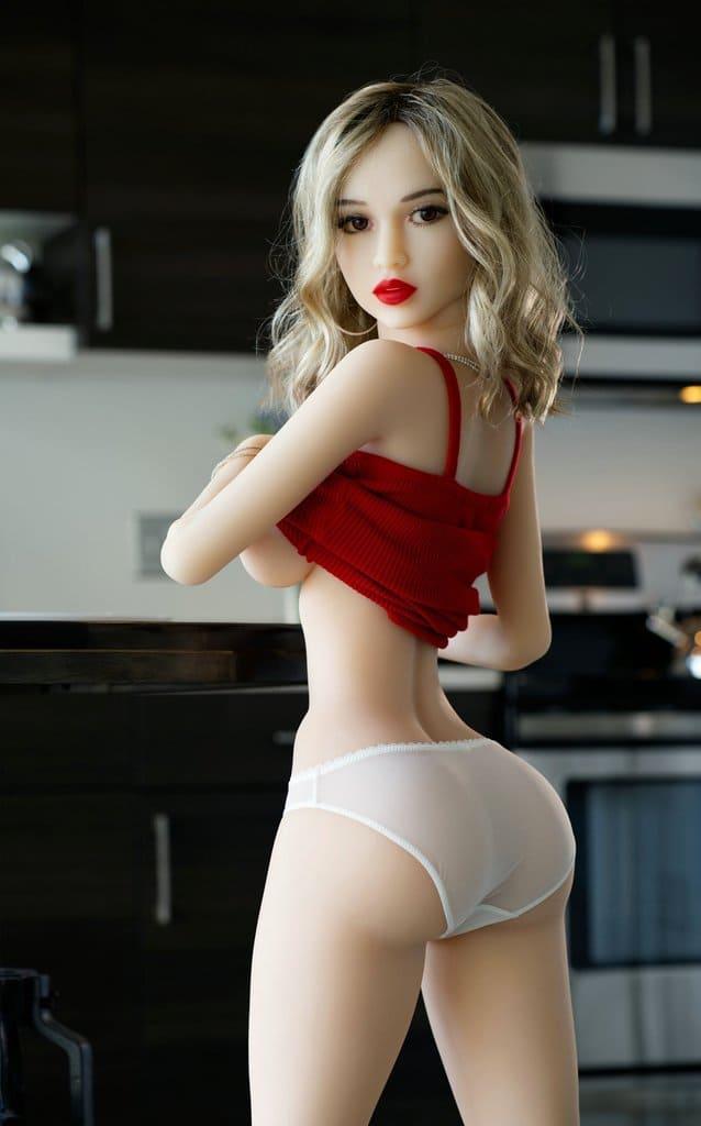 Маленькая кукла для секса