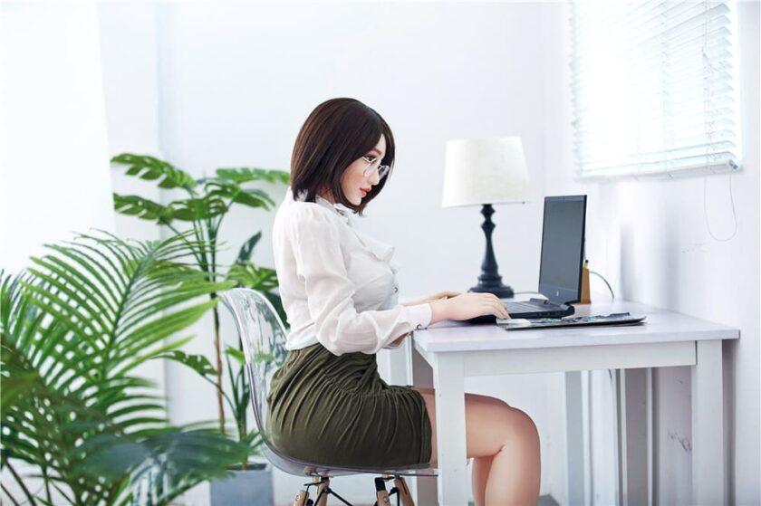 Азиатская секс кукла из силикона