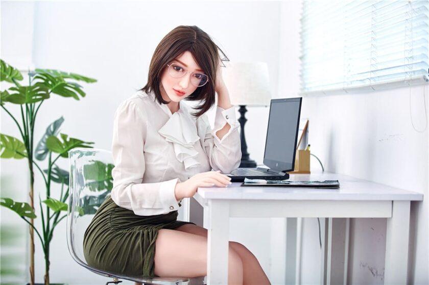 Азиатская секс-кукла в Украине