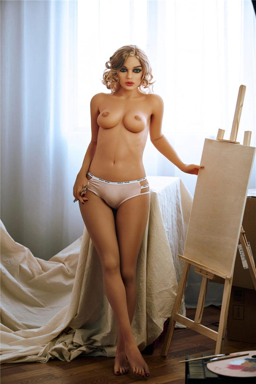Секс кукла миниатюрная блондинка с маленькой грудью