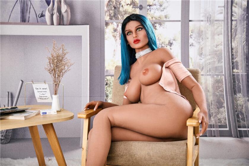 Секс кукла с синими волосами