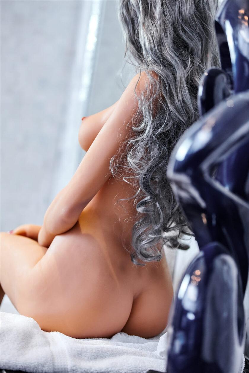 Секс кукла с маленькой грудью