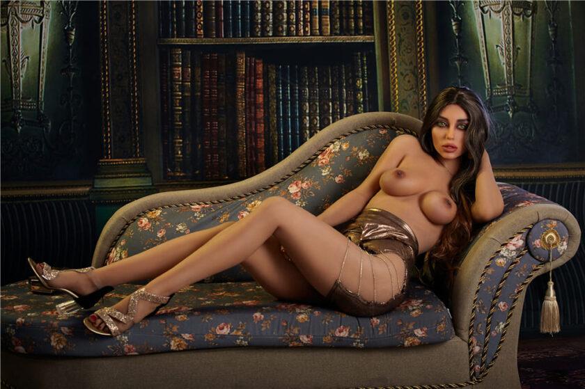 Невероятно красивая секс кукла