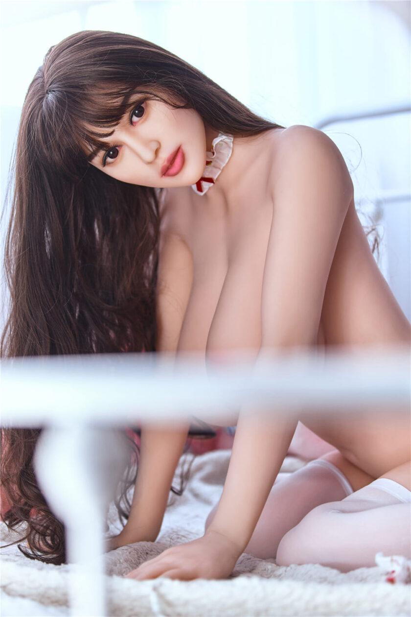 Секс кукла азиатка с большой грудью