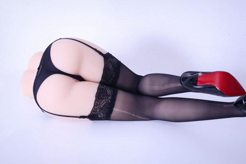 мастурбатор в виде вагины и ног