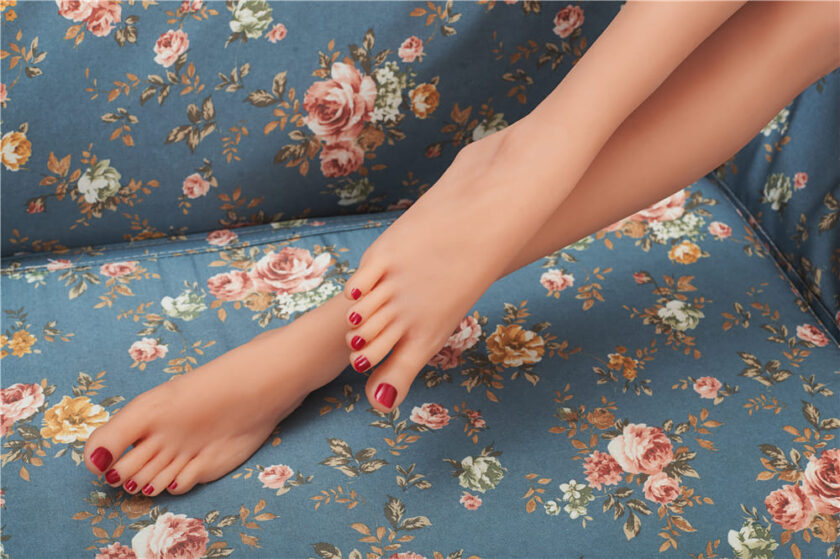Ноги секс куклы