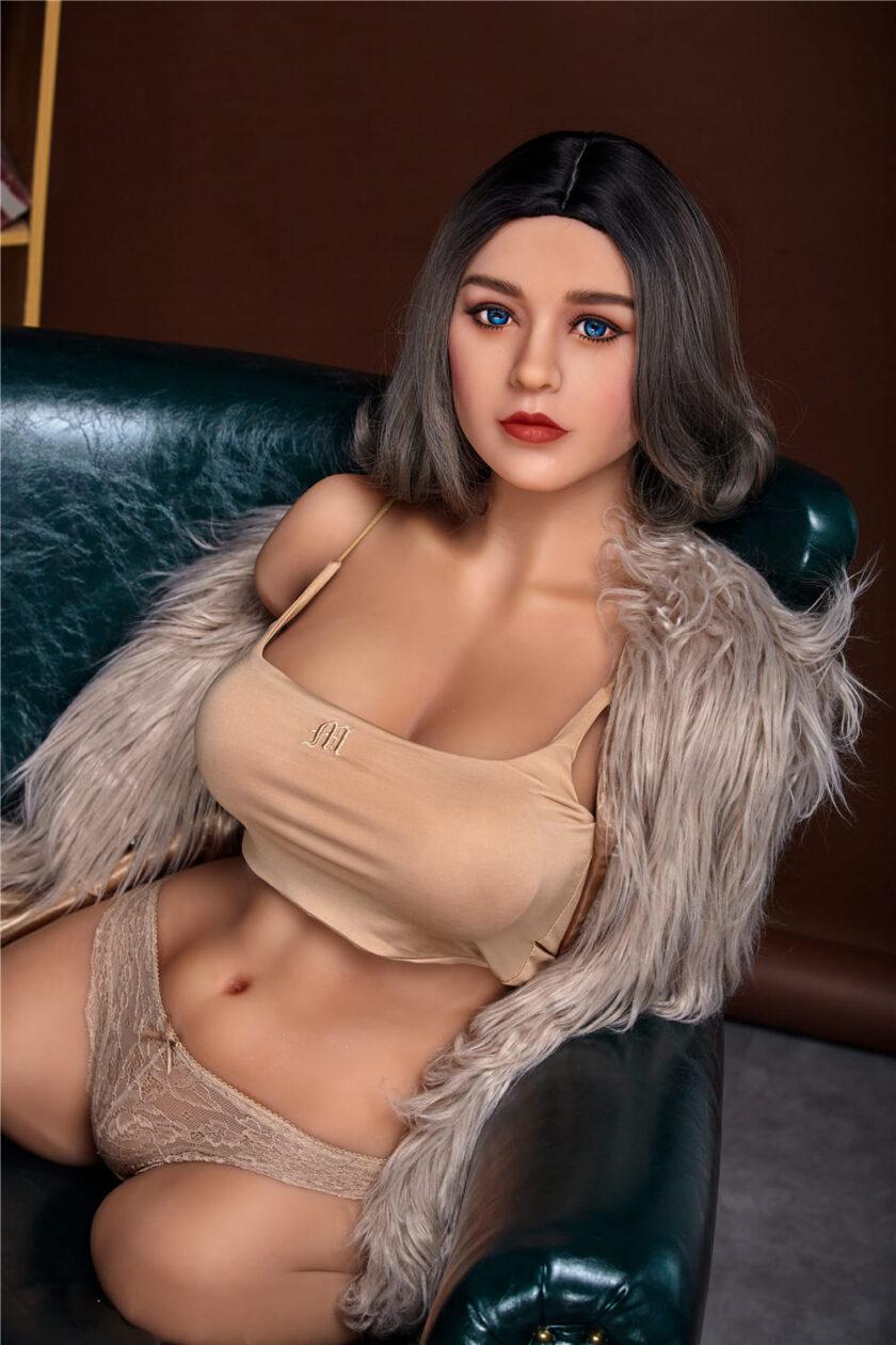 Торс секс-куклы женщины