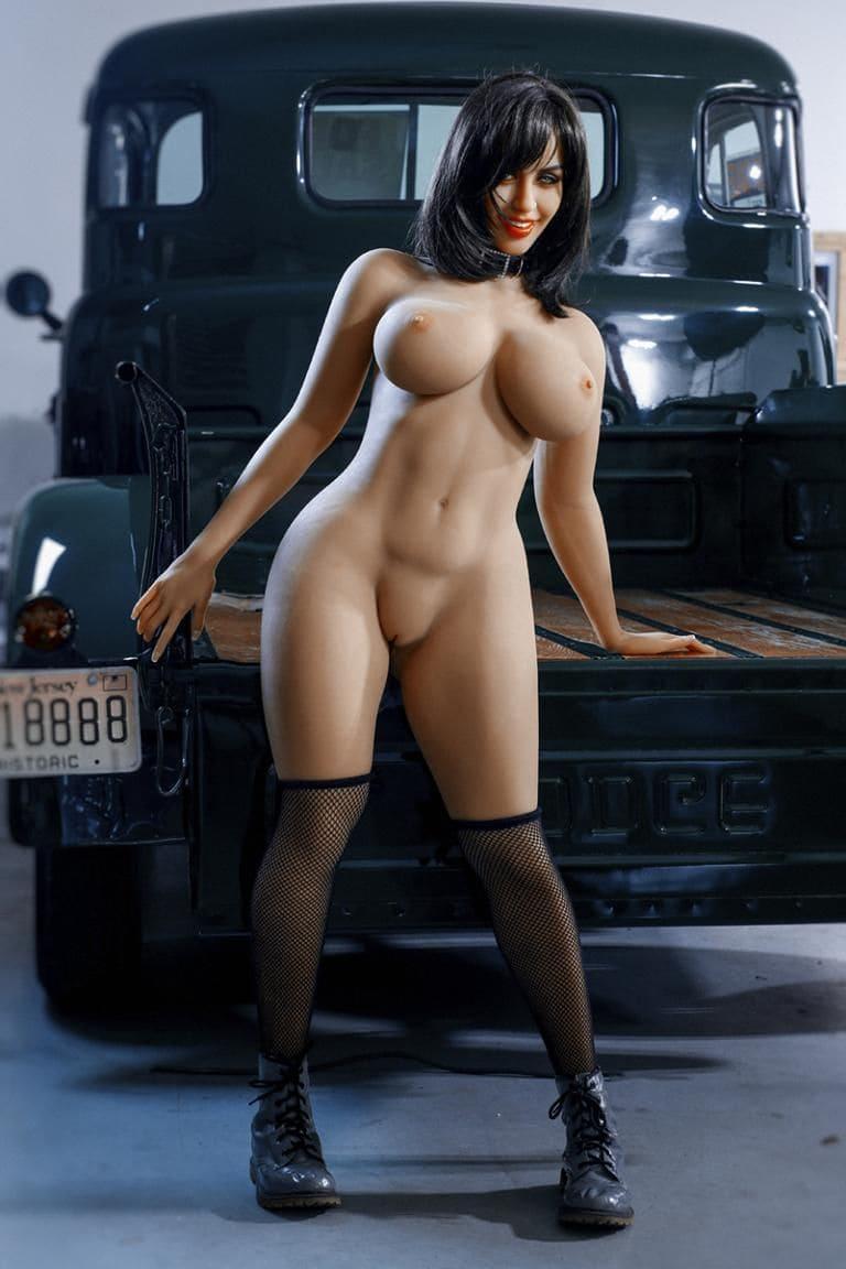 Улыбающееся секс-кукла