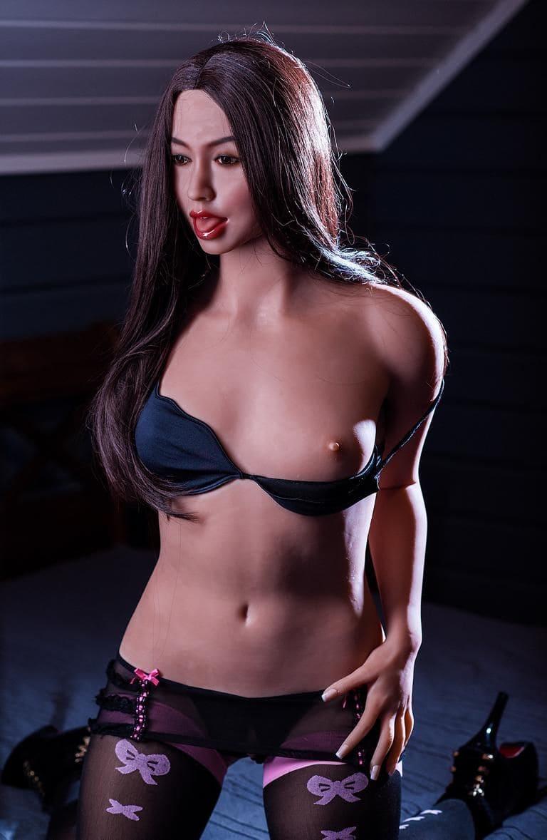 Секс-кукла с языком