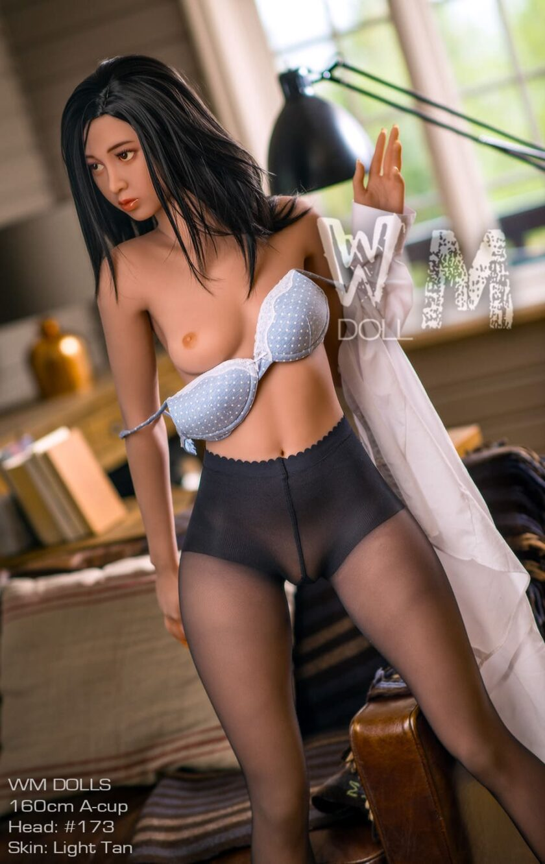 Полноразмерная секс-кукла азиатка